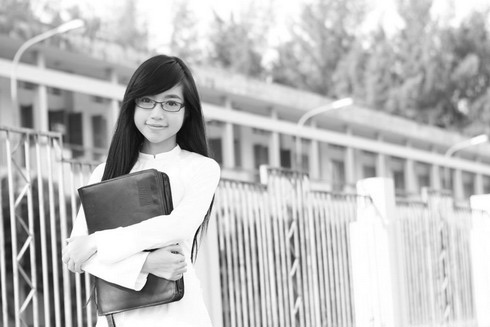 Hot girl Việt tinh khôi với áo dài trắng - 13