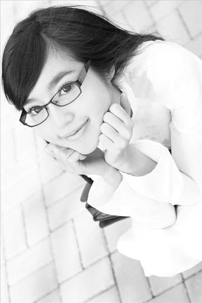 Hot girl Việt tinh khôi với áo dài trắng - 15
