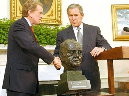 Ông Romney công kích nhầm ông Obama - 2