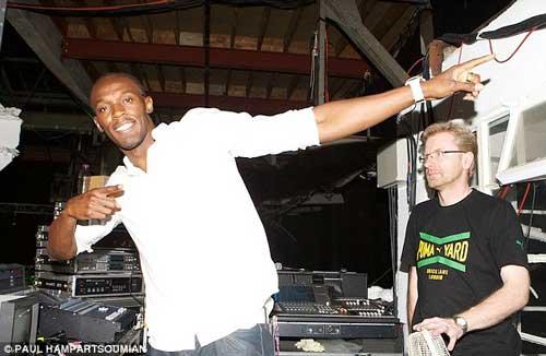 Bolt vui vẻ ở hộp đêm đến 5 giờ sáng - 1