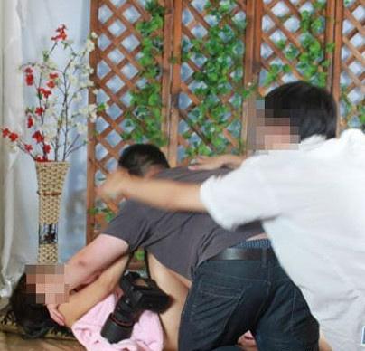 Người mẫu Hoa ngữ tung ảnh bị lạm dụng - 4