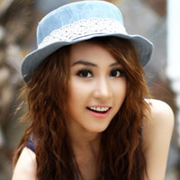 18 tuổi, Ngân Khánh được Việt kiều cầu hôn