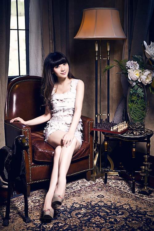 Trương Bá Chi lạnh lùng sắc sảo - 13