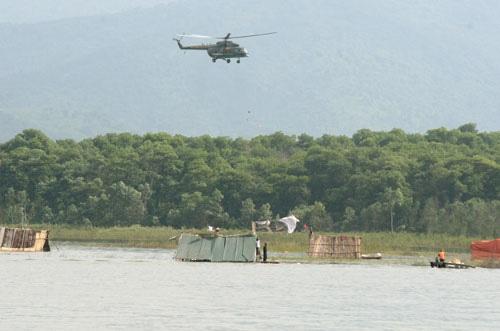 Trình diễn cứu nạn bằng trực thăng quân đội - 5