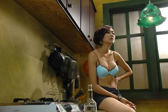 Người đẹp Việt sexy nóng bỏng trên phim - 7