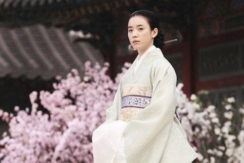 Cảnh động phòng của Lee Byung Hun - 7