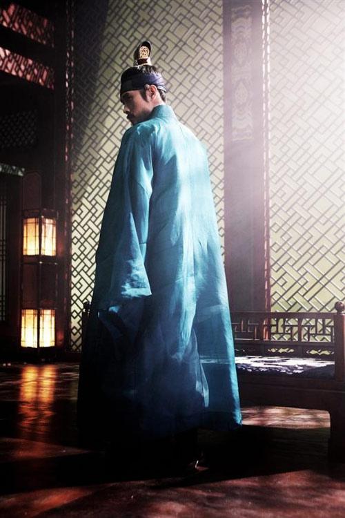 Cảnh động phòng của Lee Byung Hun - 14