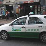 Tin tức trong ngày - Ăn theo giá xăng, taxi bắt đầu tăng cước
