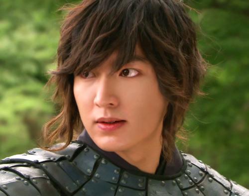 """Phim Lee Min Ho lùm xùm vụ sao """"sổ đen"""" - 4"""