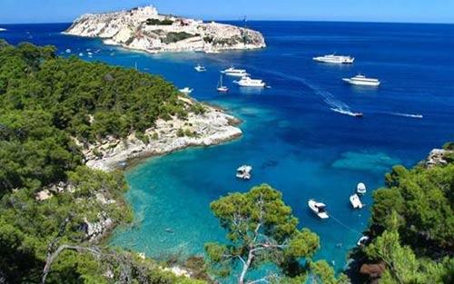 Ngất ngây 8 bãi biển đẹp nhất Italy - 7
