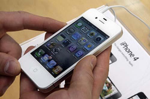 """Apple """"lệnh"""" giảm giá iPhone 4S tại các cửa hàng - 1"""
