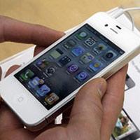 """Apple """"lệnh"""" giảm giá iPhone 4S tại các cửa hàng"""