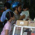 """Giáo dục - du học - Cẩn thận khi mua SGK của """"cò"""""""