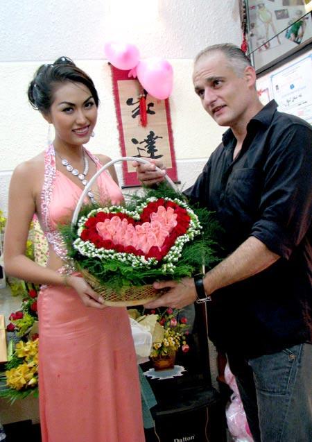 Rộ tin Phi Thanh Vân ly dị chồng Tây - 1