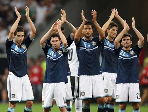 ĐT Argentina: Dưới hơi thở Messi - 1