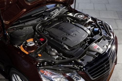 Mercedes E400 Hybrid: Thách thức đối thủ - 11