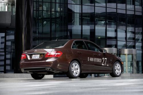Mercedes E400 Hybrid: Thách thức đối thủ - 13