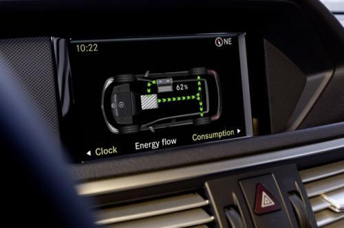 Mercedes E400 Hybrid: Thách thức đối thủ - 7