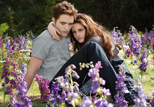 Robert Pattinson lại tình tứ bên Kristen - 1