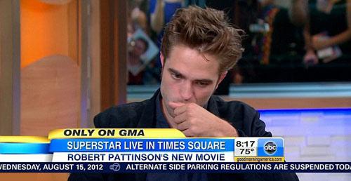 Robert Pattinson lại tình tứ bên Kristen - 6
