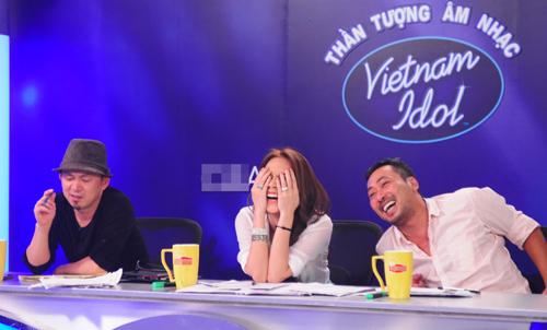 Khoảnh khắc cực nhắng của giám khảo Idol - 6