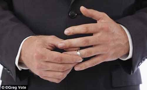 Đoán tuổi thọ BN ung thư qua ngón tay - 1