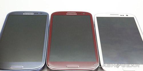Cận cảnh Galaxy S III màu đỏ - 5