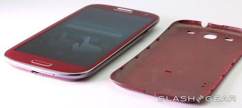 Cận cảnh Galaxy S III màu đỏ - 6