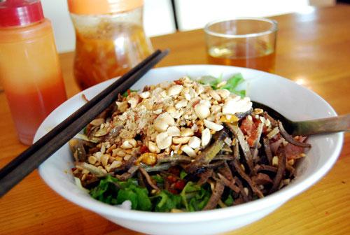 Các món trộn đậm đà hương vị Hà Nội - 1