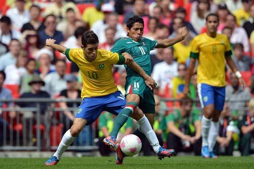 HOT: Mancini tâng bốc MU và Van Persie - 3