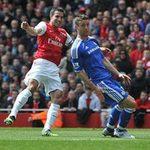 Arsenal bắt đầu  tiêu hủy  Van Persie