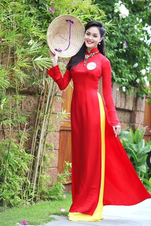 Thí sinh hoa hậu đọ sức hút với áo dài - 2
