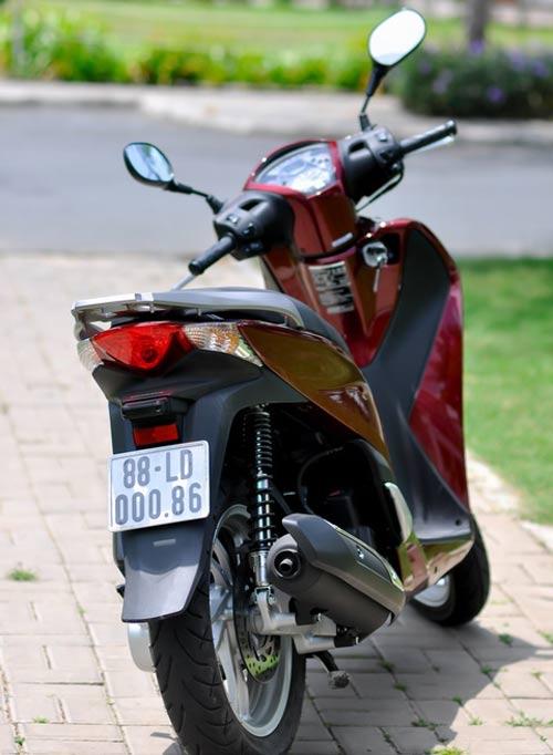 """Honda SH 2012: """"Rẻ"""" nhưng không """"ôi"""" ? - 3"""