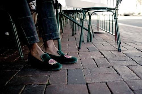 """""""Xoa dịu"""" đôi chân với giày đế bệt - 2"""
