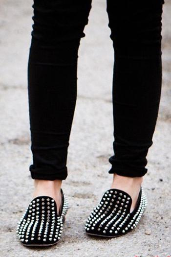 """""""Xoa dịu"""" đôi chân với giày đế bệt - 3"""