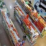 Thị trường - Tiêu dùng - Bán lẻ: Nội phá sản, ngoại lấn sân