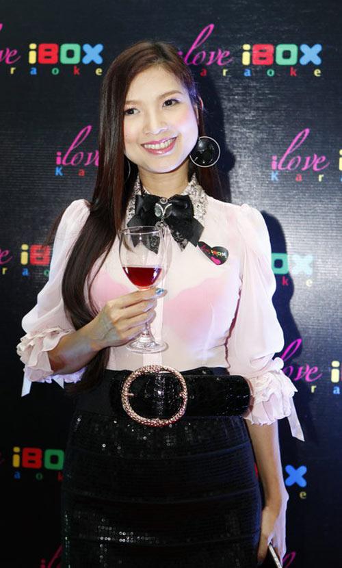 Tiêu Châu Như Quỳnh đắt sô sau The Voice - 12