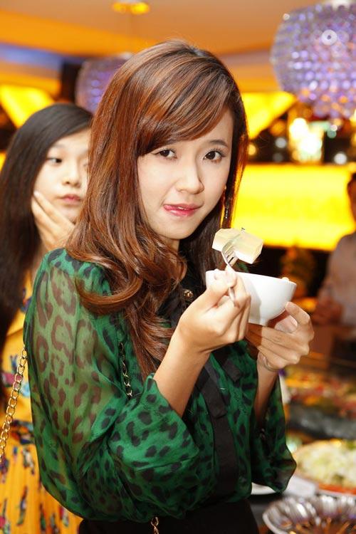 Tiêu Châu Như Quỳnh đắt sô sau The Voice - 10