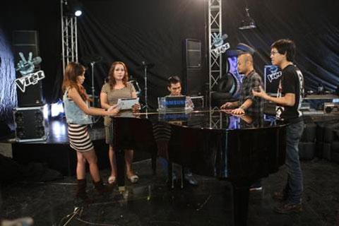 """HLV và ekip """"lột xác"""" thí sinh The Voice - 2"""