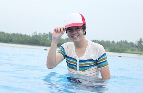 Bảo Anh đi bơi cùng Bùi Anh Tuấn - 9
