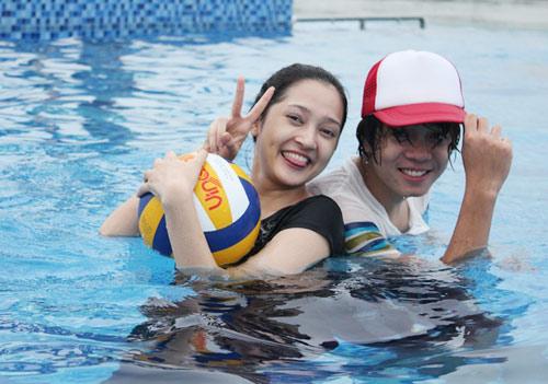 Bảo Anh đi bơi cùng Bùi Anh Tuấn - 5