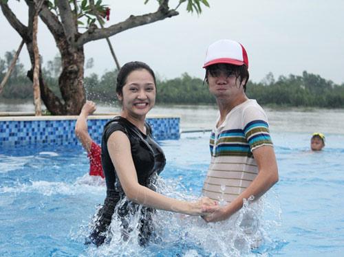 Bảo Anh đi bơi cùng Bùi Anh Tuấn - 4