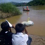 Giáo dục - du học - Chòng chành đò nhỏ qua sông đến trường