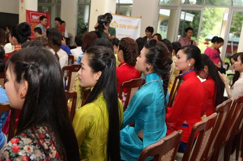 1001 kiểu tóc cầu kỳ tại Hoa hậu VN - 14
