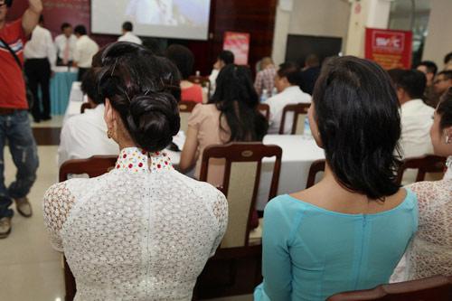 1001 kiểu tóc cầu kỳ tại Hoa hậu VN - 7
