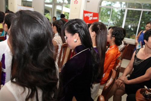 1001 kiểu tóc cầu kỳ tại Hoa hậu VN - 12