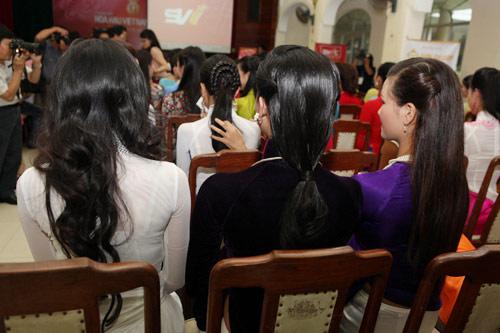1001 kiểu tóc cầu kỳ tại Hoa hậu VN - 9