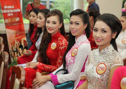 1001 kiểu tóc cầu kỳ tại Hoa hậu VN - 1