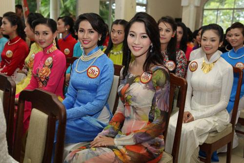 1001 kiểu tóc cầu kỳ tại Hoa hậu VN - 2