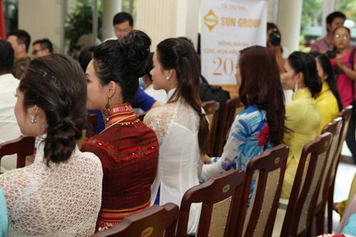 1001 kiểu tóc cầu kỳ tại Hoa hậu VN - 10
